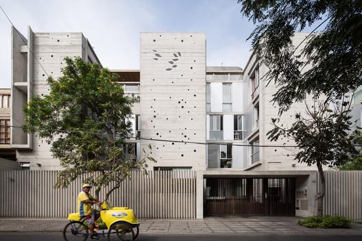 Edificio MG / BARCLAY&CROUSSE Architecture