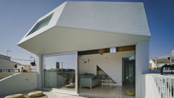 The Beach House / Laura Ortín Arquitectura