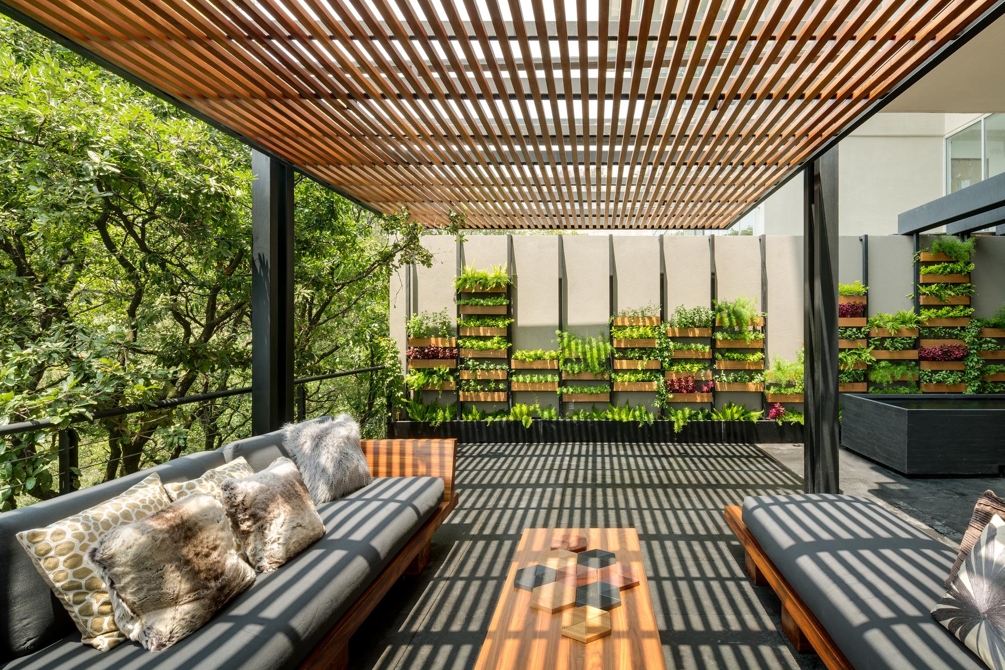 Galer a de villa jard n asp arquitectura sergio portillo 5 for Damson house garden design