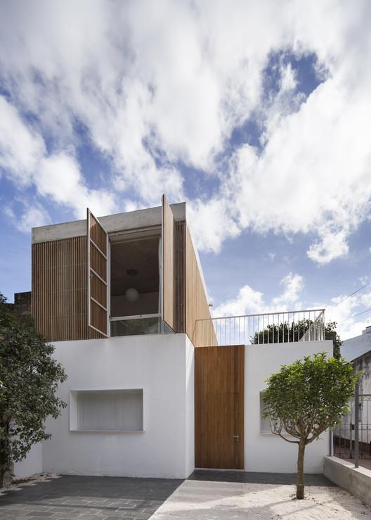 Casa Plaza / MASS Arquitectos, © Federico Cairoli
