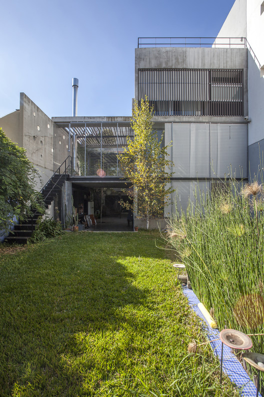 Edificio GRECIA 4166 / Arquitectonika, © Federico Kulekdjian