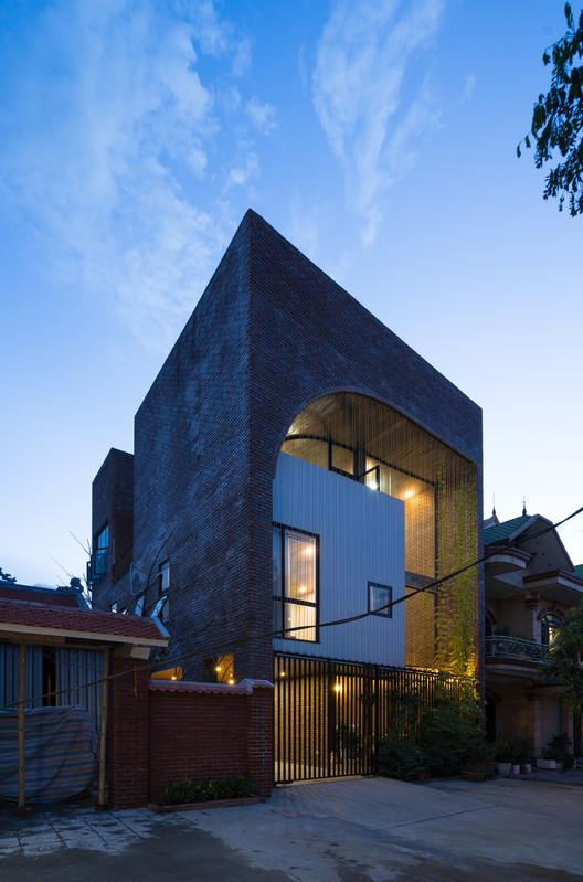 Casa V3  / TNT architects