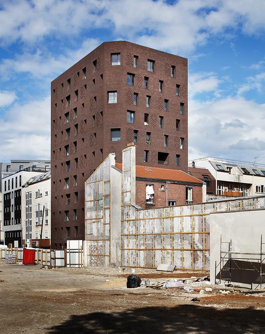 Winner: Rue Bonnet Social Housing/ Avenier Cornejo Architectes. Image Courtesy of The Architectural Review Emerging Architecture Awards