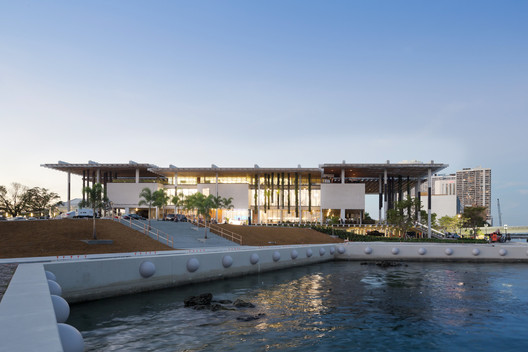 Perez Art Museum Miami, built with ultra-high-performance concrete, sustained no damage in Hurricane Irma. Image © Iwan Baan