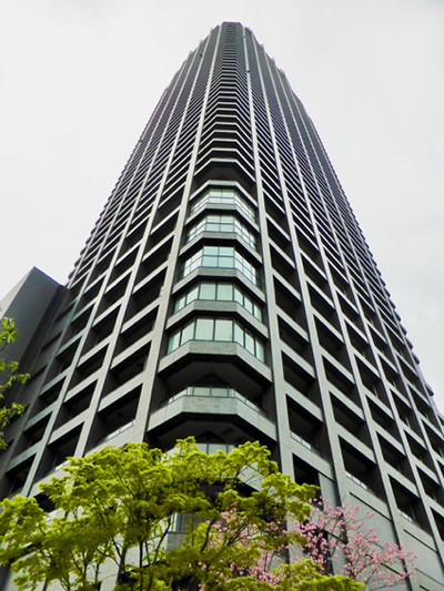 The Kitahama Building in Osaka, Japan, uses ECC in its core for earthquake resistanc. Image Courtesy of Victor Li/University of Michigan