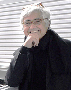 © <a href='https://commons.wikimedia.org/wiki/File:Rafael_Vinoly.png'>Wikimedia user Michael Toporkoff</a> licensed under <a href='https://creativecommons.org/licenses/by/2.5/'>CC BY 2.5</a>