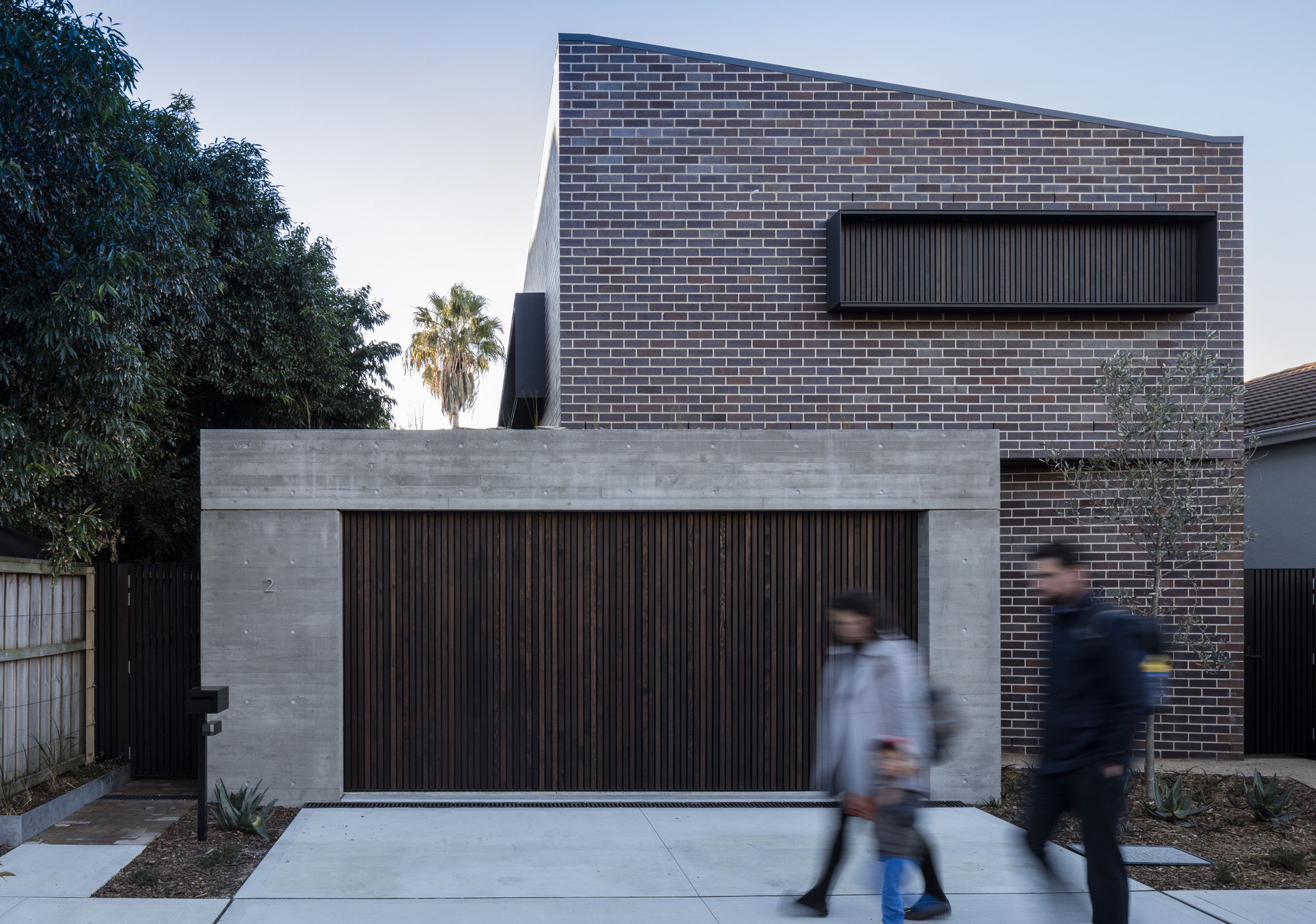 Cricket Pitch House / Scale Architecture
