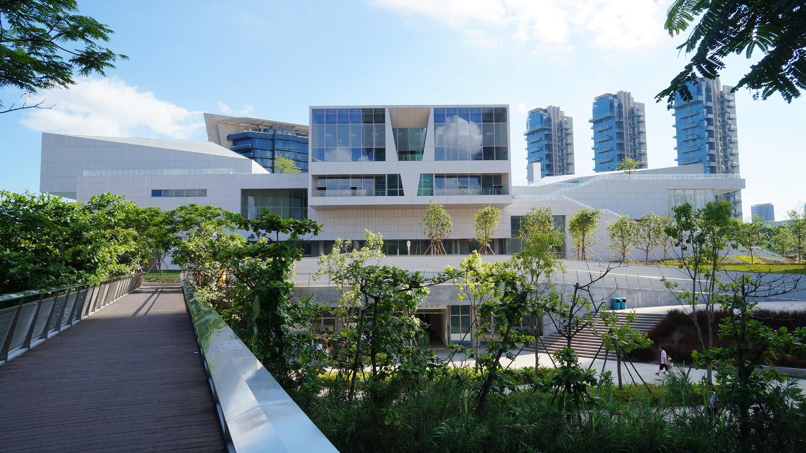 Shenzhen Sea World Culture and Arts Center / Maki and Associates,Park. Image Courtesy of Maki and Associates