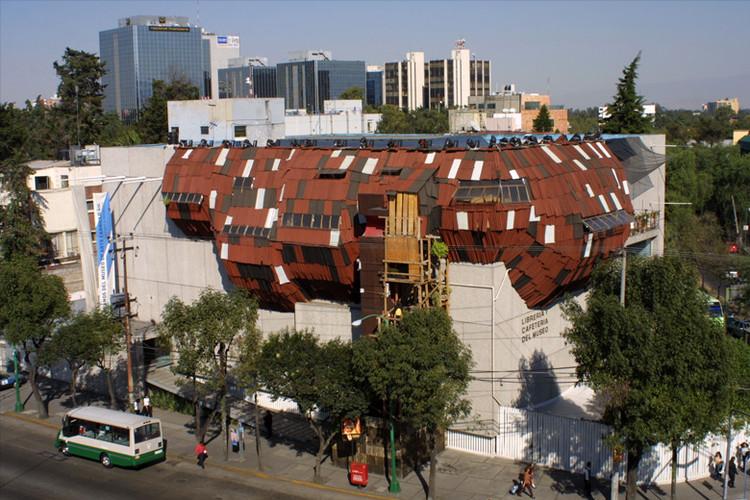La arquitectura parasitaria de Héctor Zamora, © Fernando Medellín