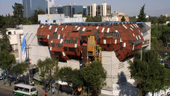 La arquitectura parasitaria de Héctor Zamora