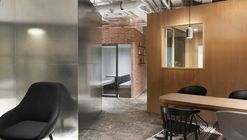 Elite English Training School / B.L.U.E. Architecture Studio