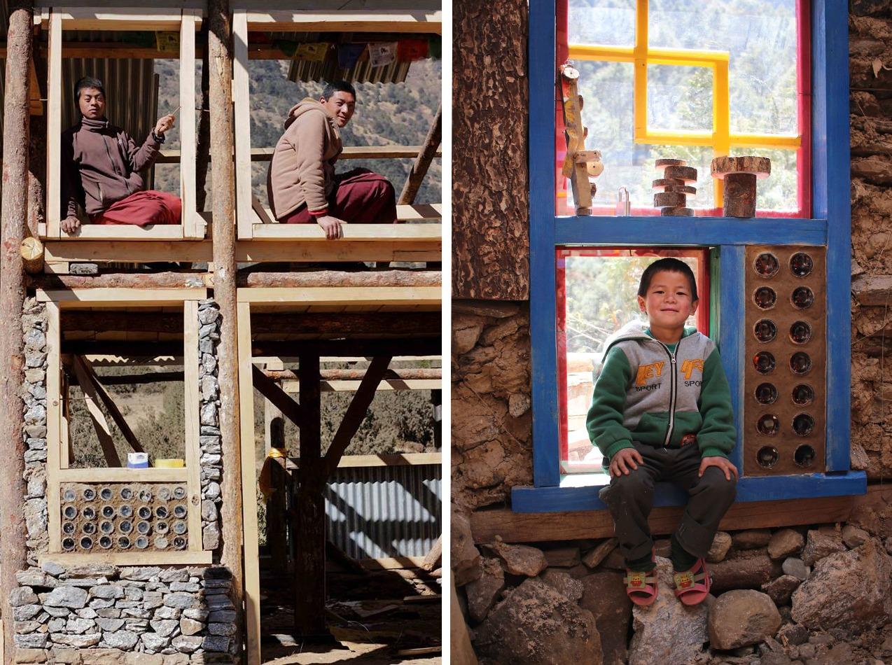 Cómo reconstruir una escuela con un sistema solar pasivo: madera, zinc, adobe, piedras y botellas de vidrio