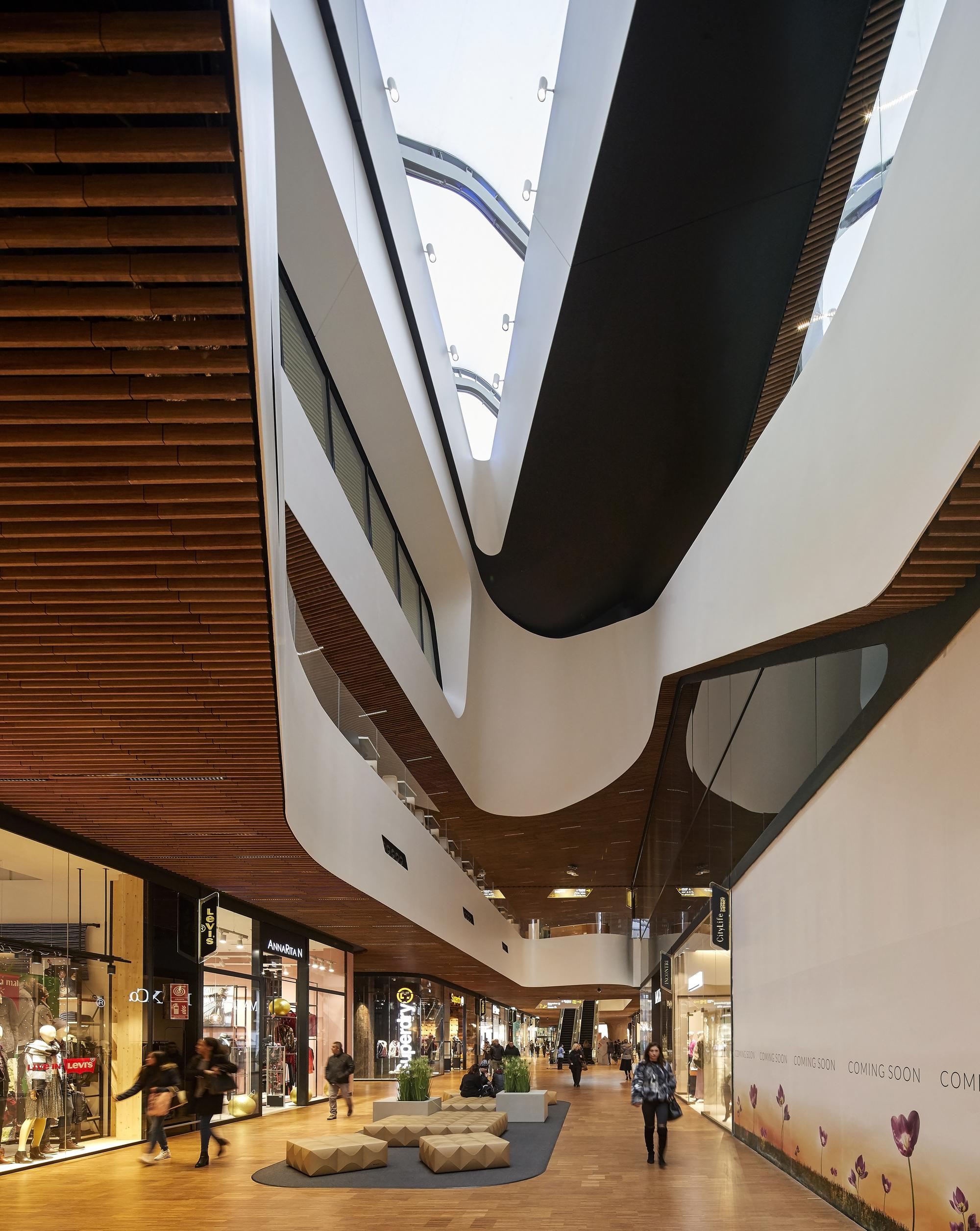 CityLife Shopping District / Zaha Hadid Architects | ArchDaily