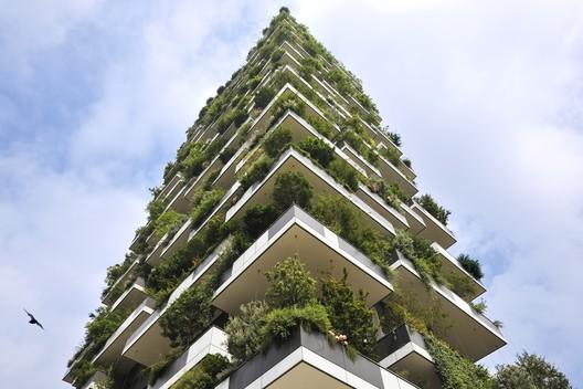 Vertical forest; Milan, Italy / Boeri Studio with Studio Emanuela Borio and Laura Gatti © Paolo Rosselli