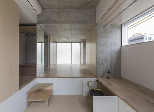 Tatsumi Apartment House; Tokyo, Japan / Hiroyuki Ito Architects © Shinkenchiku-sha
