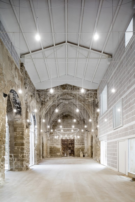 The Ancient Church of Vilanova de la Barca; Vilanova de la Barca, Spain / AleaOlea architecture & landscape © Adrià Goula