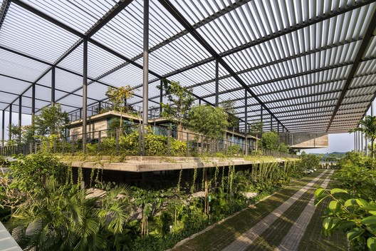 Factory In The Forest; Penang, Malaysia / Design Unit Sdn Bhd with Chin Kuen Cheng Architect © Lin Ho