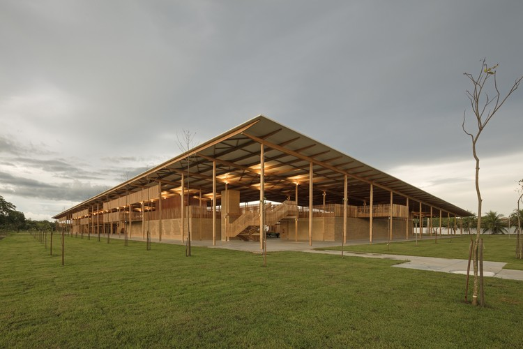 Children Village; Formoso do Araguaia, Brazil / Alephzero with Rosenbaum © Leonardo Finotti