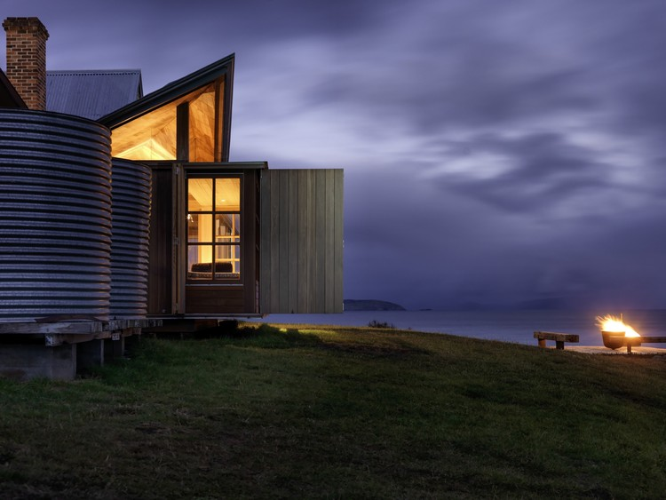 Captain Kelly's Cottage; Tasmania, Australia / John Wardle Architects © Trevor Mein