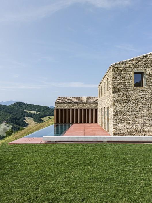 AP House Urbino; Pieve di Cagna, Italy / Gardini Gibertini Architects © Ezio Manciucca