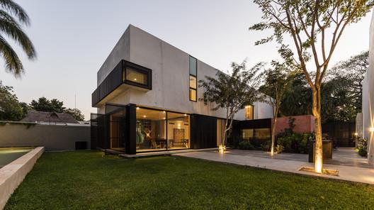 Casa CAMPESTRE / Boyancé Arquitectura + Edificación