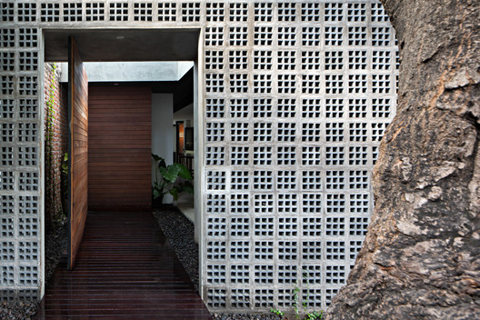 Mandanila House / Somia Design