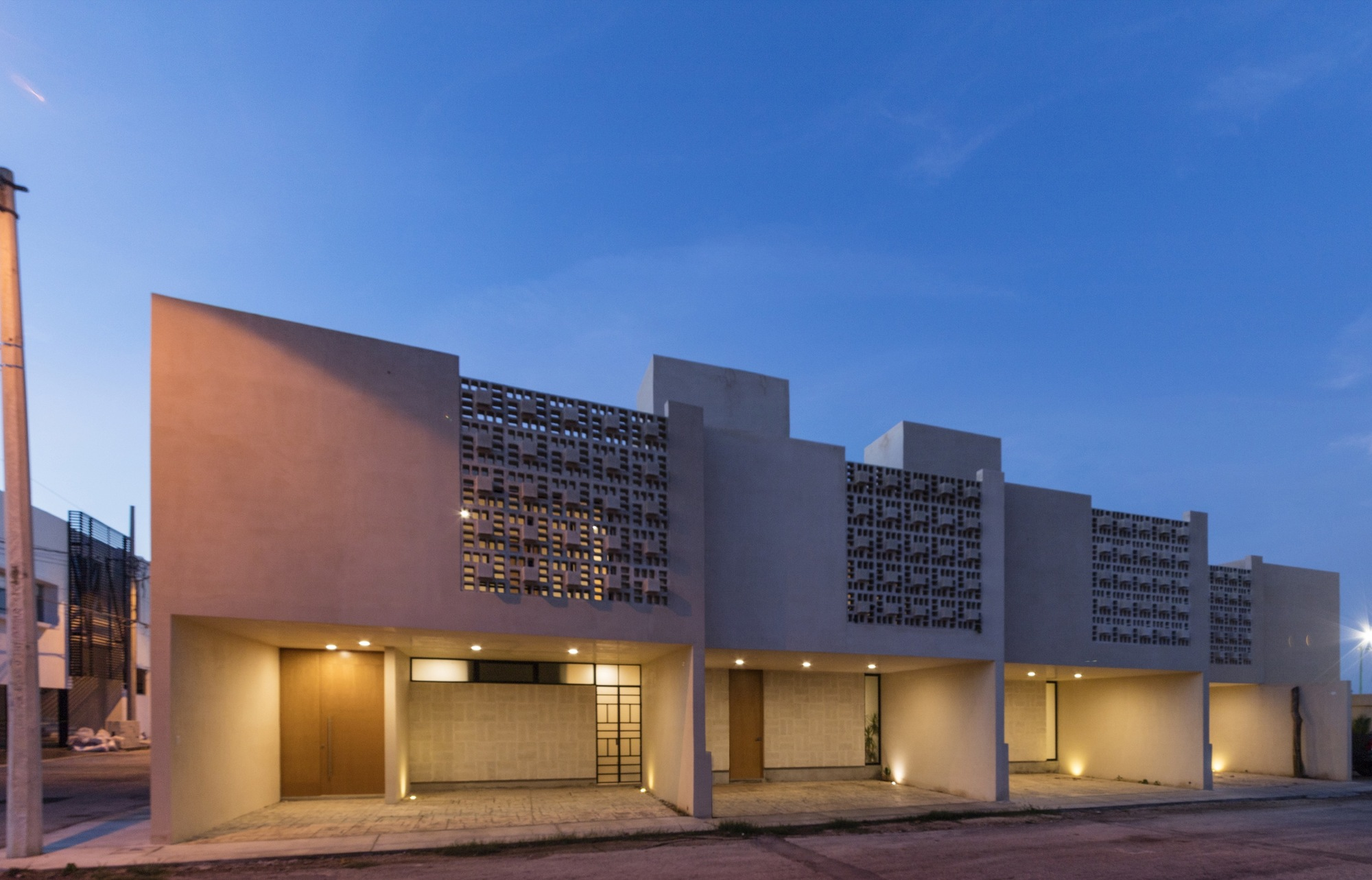 Town houses l bano taller estilo arquitectura for Arquitectura de proyectos