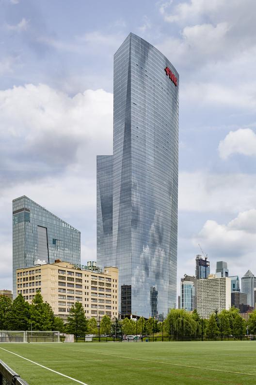 FMC Tower; Philadelphia, Pennsylvania / Pelli Clarke Pelli Architects + BLT Architects. Image © Lester Ali