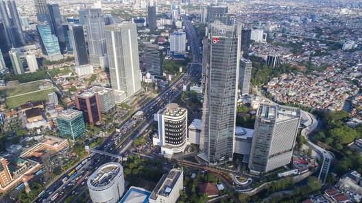 Telkom Landmark Tower 2; Jakarta, Indonesia / Woods Bagot. Image © William Sutanto Arti Pictures
