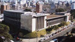 Clásicos de Arquitectura: Facultad de Arquitectura, Universidad de la República / Román Fresnedo Siri y Mario Muccinelli