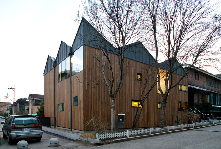 Gwacheon Residence / Kim Seunghoy (Seoul National University) + KYWC Architects, © Kim Jaekyung