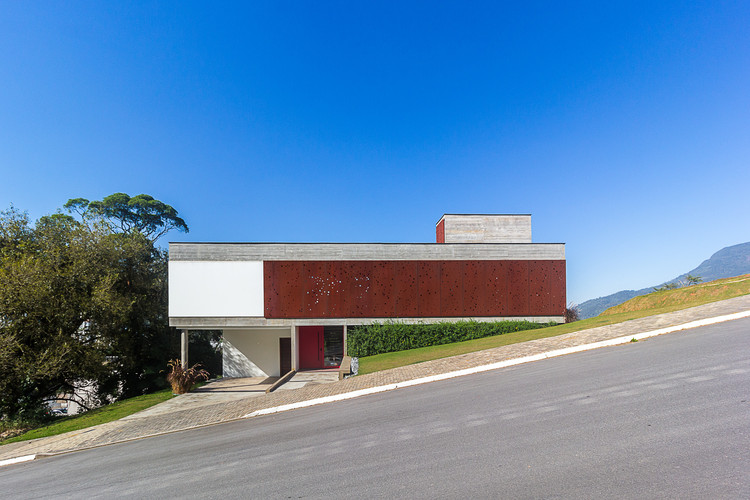 Casa FY / PJV Arquitetura, © Larry Sestrem