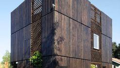 Sparrow House / Samantha Mink