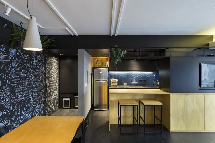 RE Apartment / Oficina Conceito Arquitetura, © Marcelo Donadussi