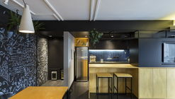 RE Apartment / Oficina Conceito Arquitetura