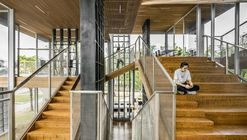 Casa del libro Lattice / Scenic Architecture Office