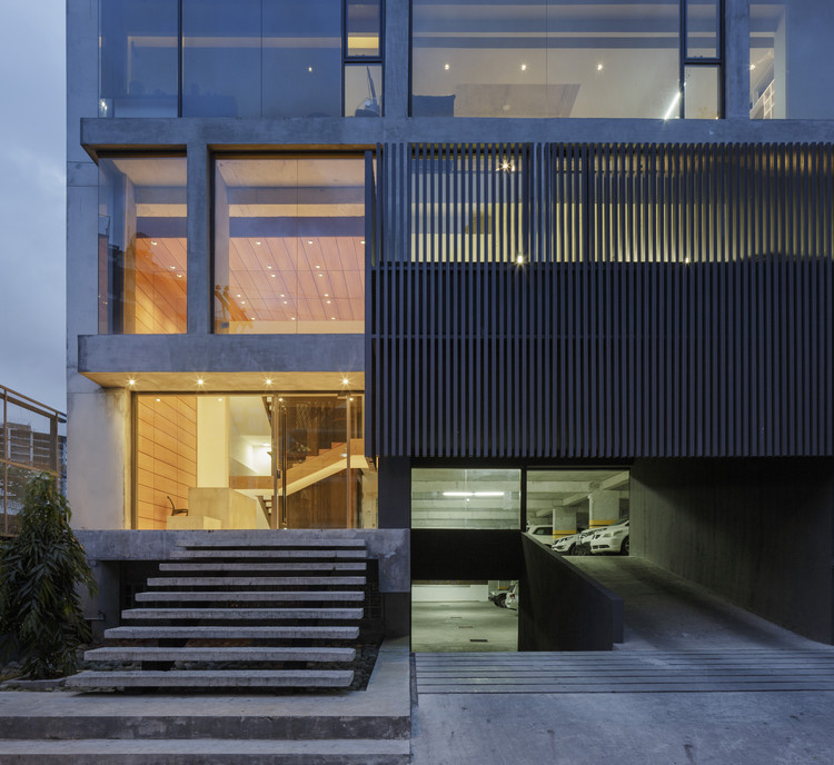 Ventura Offices / Ventura Arquitectos, © Fernando Alda