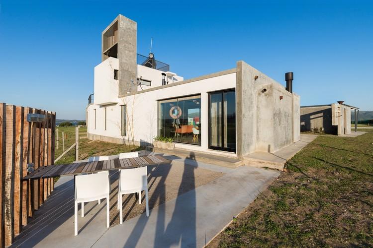 Casa Náutica Puerto del Águila / barqs Arquitectos, © Gonzalo Viramonte
