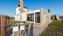 Casa Náutica Puerto del Águila / barqs Arquitectos