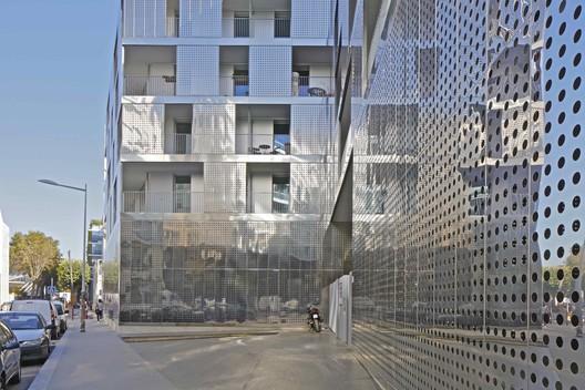 Cap City Rives de Seine / PPA architectures & Xavier Leplaë architecte