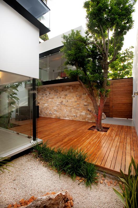 Casa de los Zapotes / Boyance Arquitectos, © Alberto Cáceres