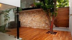 Casa de los Zapotes / Boyance Arquitectos