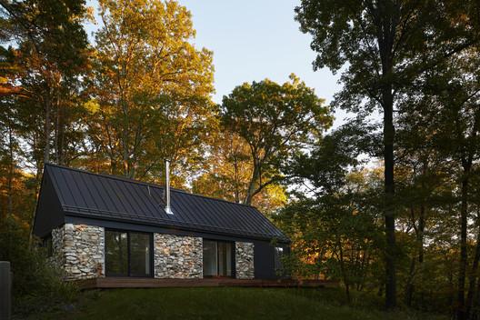 Old Stone House / TAKATINA LLC