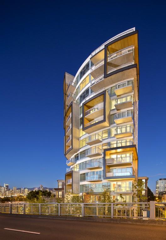 6th & Fir West. Image Courtesy of Henriquez Partners Architects