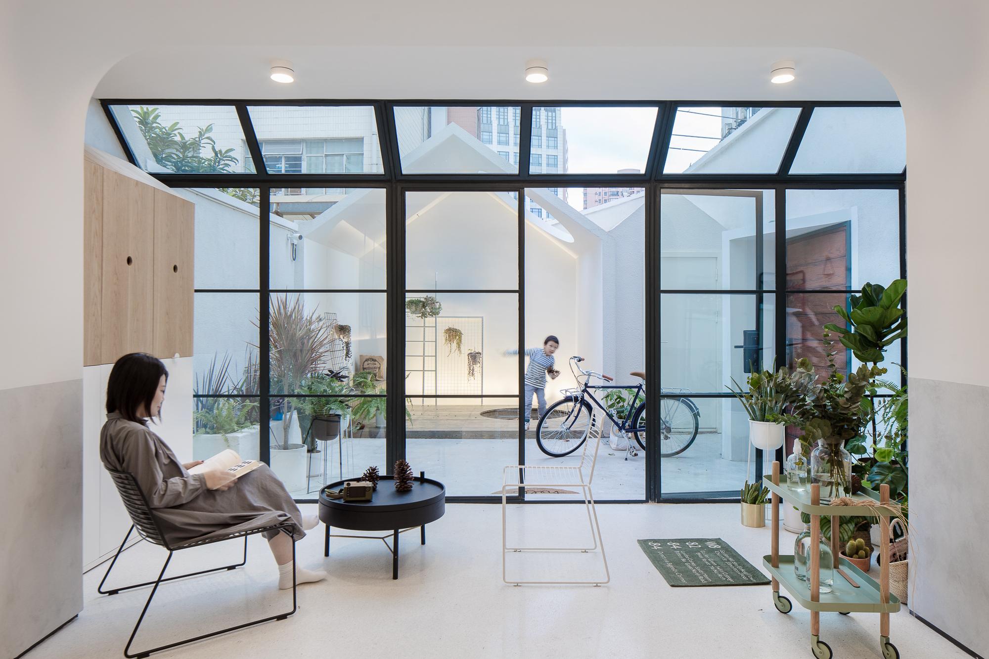 A White House, A Growing Home / Kai Liu | ArchDaily