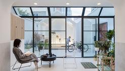 A White House, A Growing Home / Kai Liu