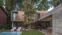 Casa ARANZAZU / Besonias Almeida Arquitectos