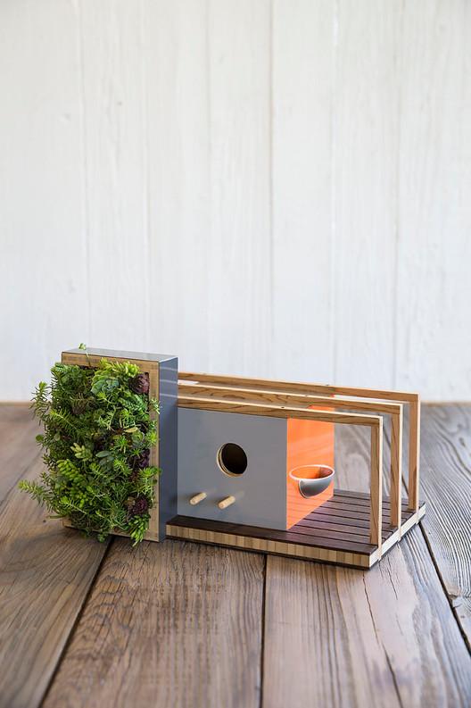 Mixed Media Birdhouse. Photo by Toy/Sunset Publishing. Image via Sourgrassbuilt.com