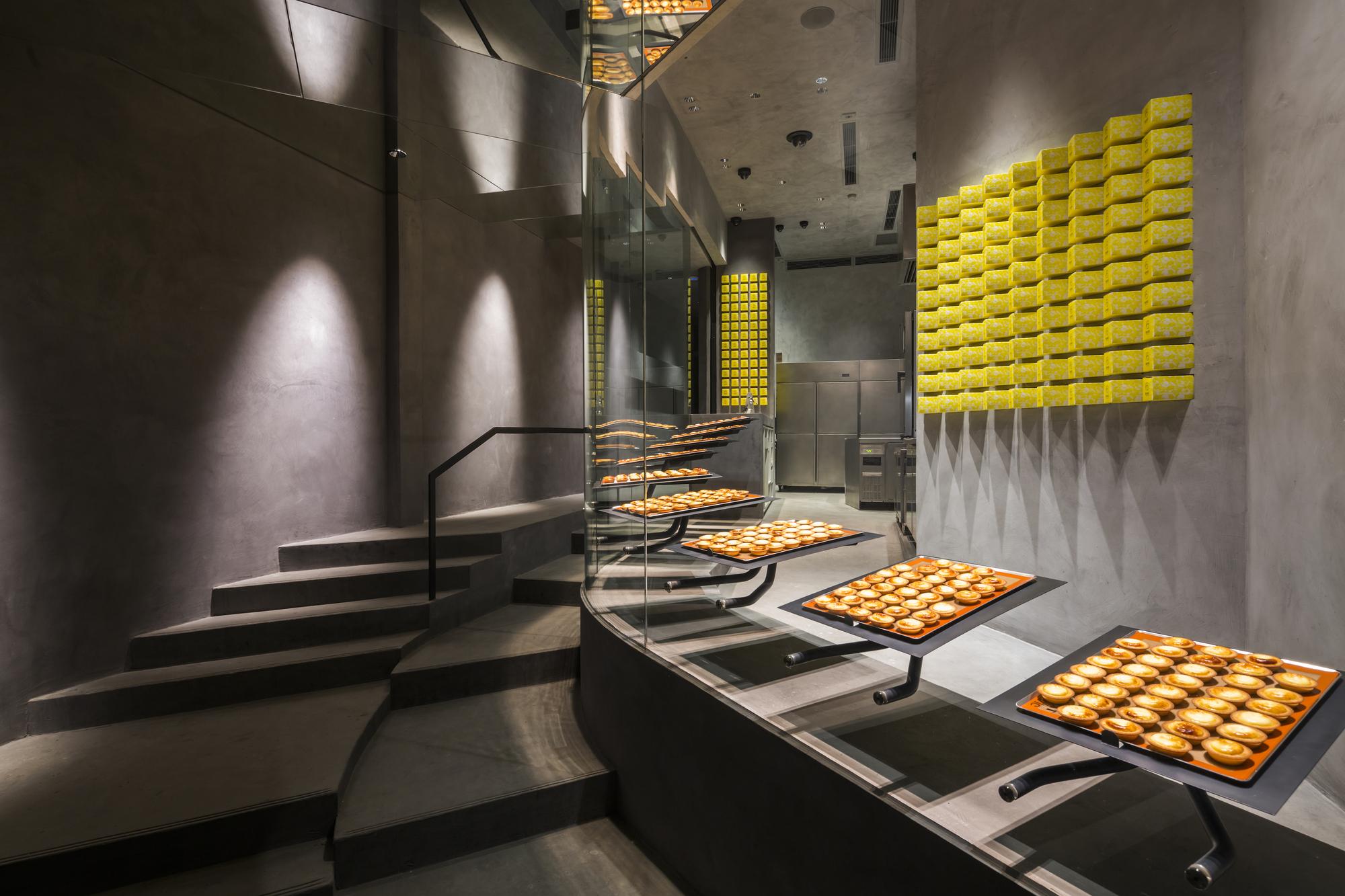 Gallery of cheese tart shop bake 07beach 4 for Interior design agency vietnam