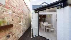 Curtain Cottage / Apparte Studio